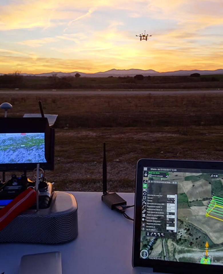 curso-piloto-drones-a-medida-img-vertical-